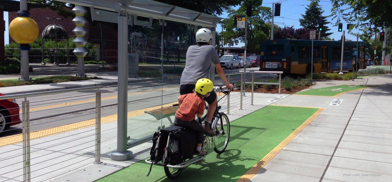 Seattle Broadway-cycle-track-near-bus-stop